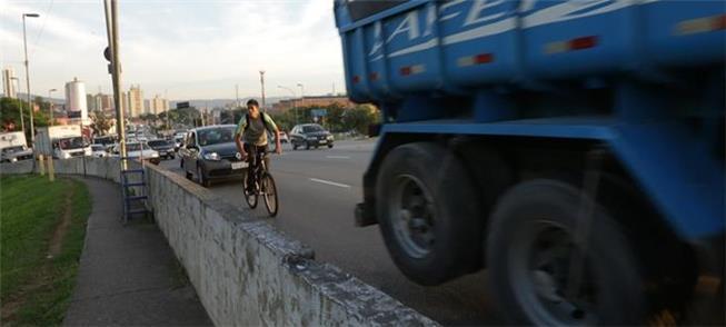 Segurança de ciclistas e pedestres é tema de debat