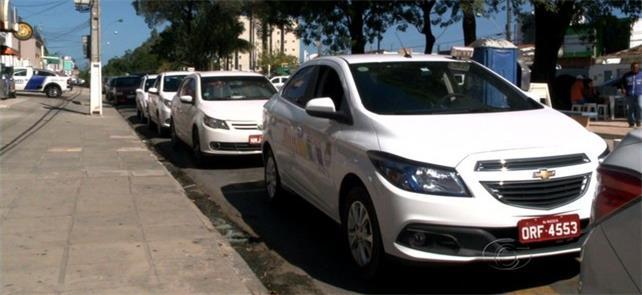 Táxi-lotação, serviço sem licitação que prejudica