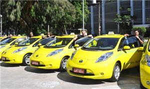 Táxis elétricos evitam emissões de poluentes