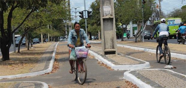 Teresina: 15 km de vias para bike em reais condiçõ