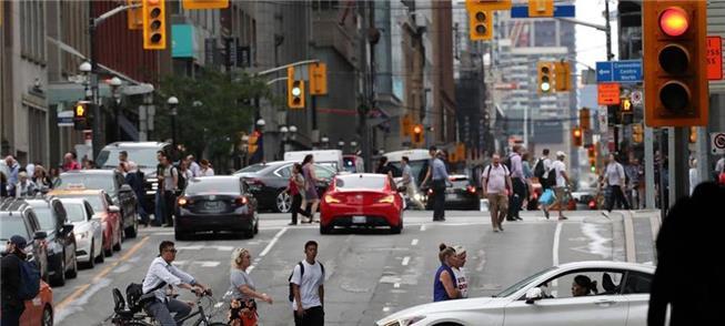 Tráfego em Toronto, Canadá