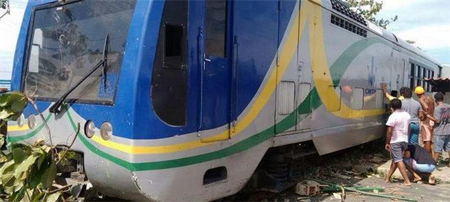 Trem do metrô perde freio e descarrila em Teresina