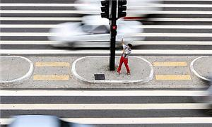 Um mímico na Avenida Paulista, em São Paulo