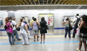 Usuários do metrô utilizam SMS