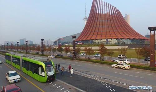 Veículo autônomo é testado no transporte público d