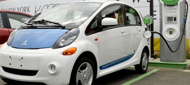 Veículo elétrico conectado para carga das baterias