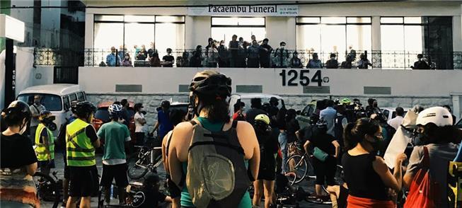 Velório: ciclistas homenageiam Marina Harkot