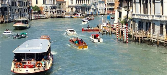 Veneza faz controle turístico em prol do transport