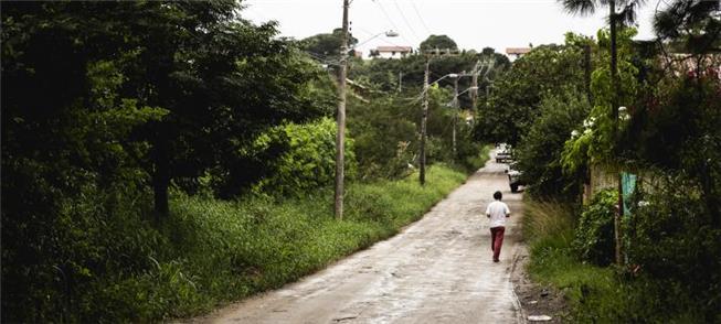 Via é usada por pedestres, ciclistas e para andar