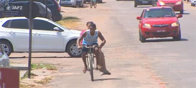 Vias para bicicleta são raras e precárias na capit