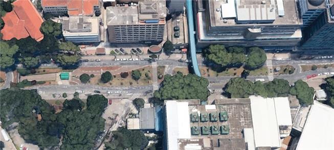 Vista aérea da avenida de acesso ao Hospital: prio