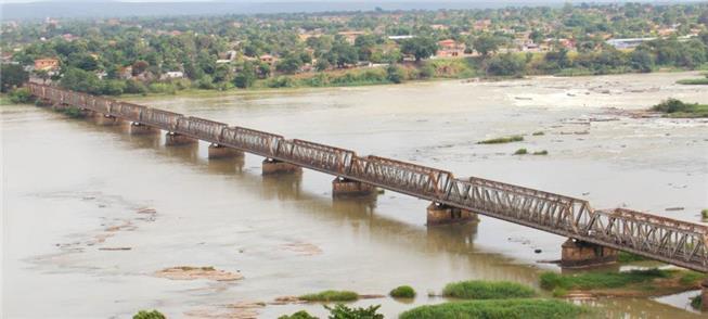 Vista aérea da histórica ponte Marechal Hermes, em