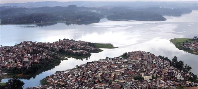 Vista da represa Guarapiranga, em SP, em janeiro d