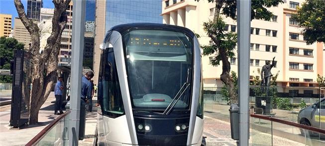 VLT inicia viagens entre Praça Quinze e Saara, no