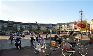 Zona exclusiva para os ciclistas em Houten, Holand